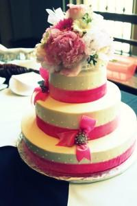 pink pinup cake